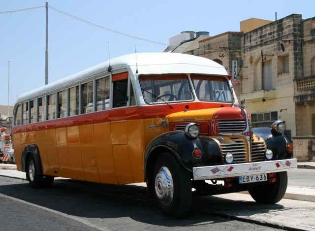 busz málta